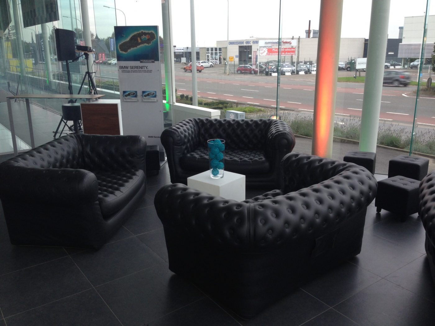canap gonflable chesterfield noir ml locations. Black Bedroom Furniture Sets. Home Design Ideas