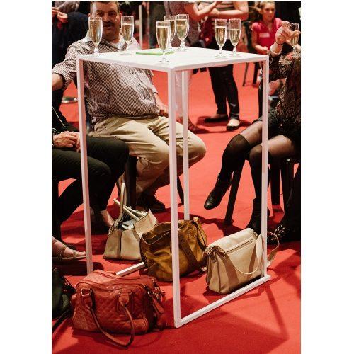 Location de table mange-debout : table quadra à louer