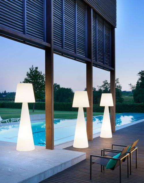 Lampes exterieures geante en location