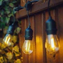 Guirlande lumineuse en location : éclairage LED blanc chaud, longueur guirlande 15m, IP65, étanche